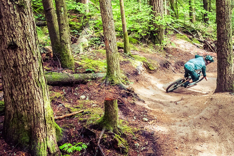 MTB Guide riding Rollercoaster in Squamish