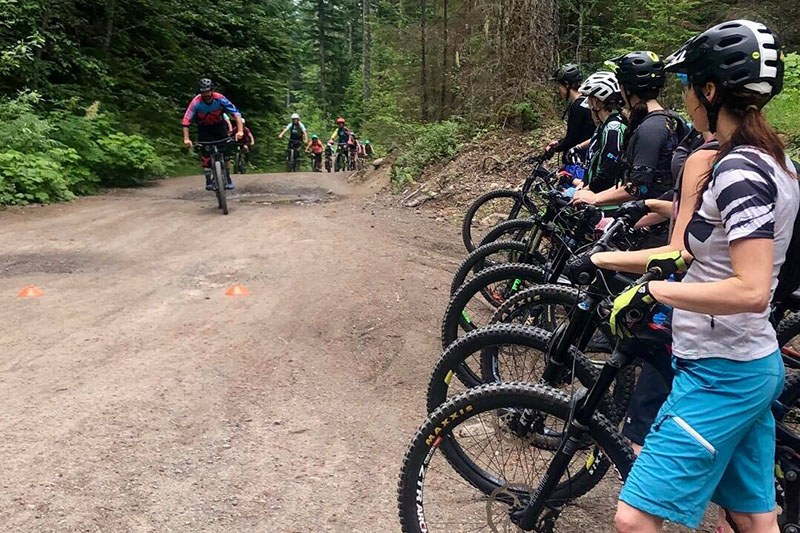 mountain-bike-clinics-women-group-coaching