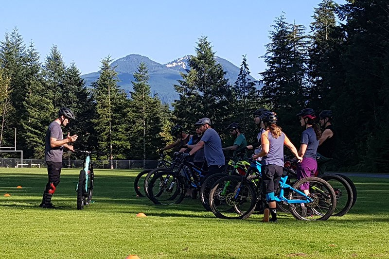 mountain-bike-group-coaching-skills-clinic-squamish