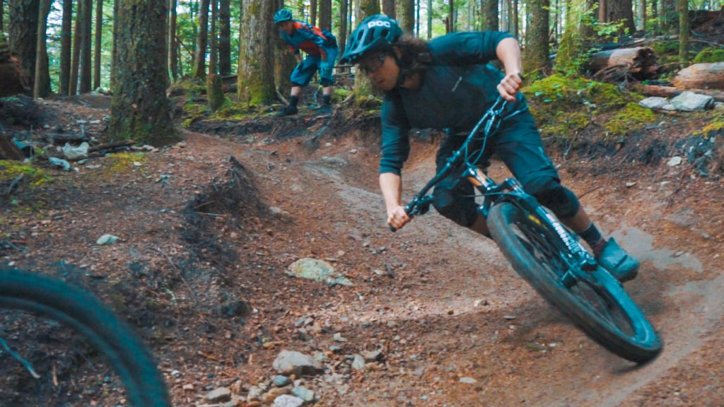 cornering-rollercoaster-trail-squamish