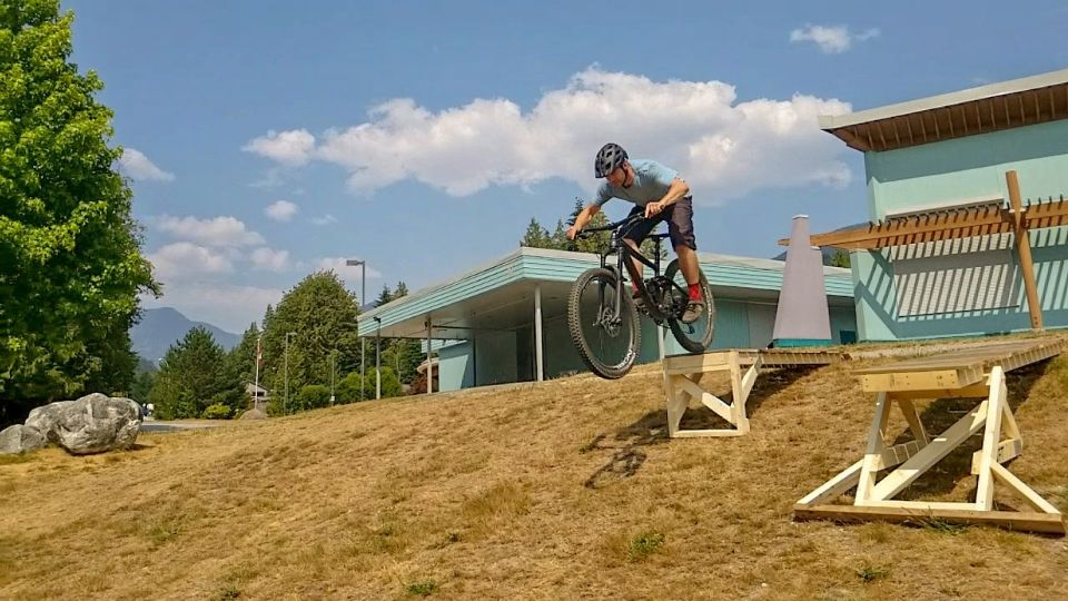 Adjustable ramp progression for learning mountain bike drops in British Columbia. Learn in a safer way with expert, industry certified coaches
